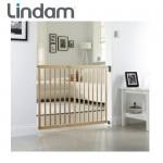 Lindam - Poarta siguranta extensibila din lemn 63.5 - 102 cm