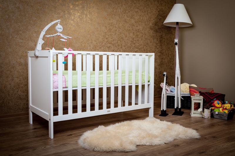 Jolie - Patut lemn masiv pentru bebelusi Sophie