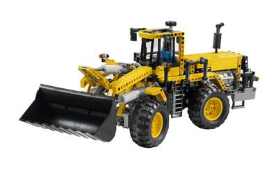 Lego - Technic Tractor cu cupa