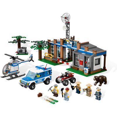 Lego - City statie politie din padure