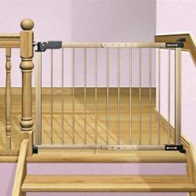 Reer - Poarta de siguranta pentru usi si scari Leon