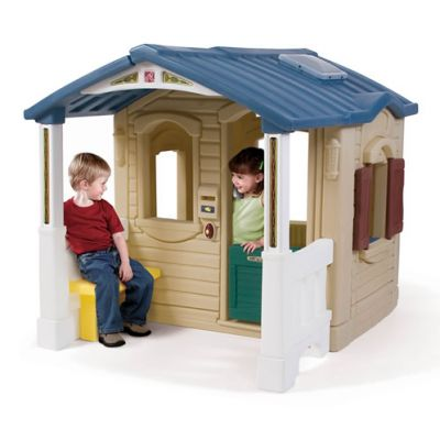 Step2 - Casuta cu pridvor Naturally Playful Front Porch Playhouse