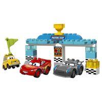 Lego Duplo Cars cursa pentru Cupa Piston