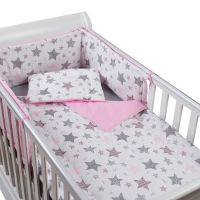 Set lenjerie 4 piese din bumbac Kidizi Pink Stars, perna bebelus, plapumioara, aparatoare si cearceaf