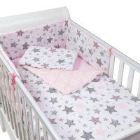 Set lenjerie matlasata 4 piese Kidizi Pink Stars, include perna, plapumioara, aparatoare si cearceaf