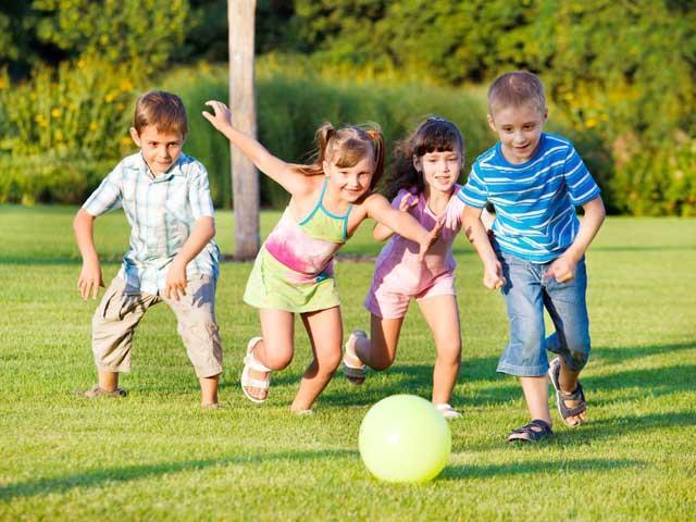 jocul-in-aer-liber-ii-fereste-pe-copii-de-miopie-16246925