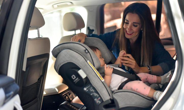 De ce sa utilizam un scaun auto pentru copii cu spatele catre directia de mers