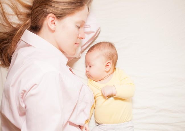 Masuri de siguranta privind dormitul cu bebelusul