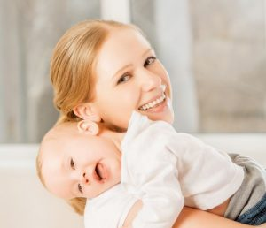 3 mituri gresite despre Attachment Parenting